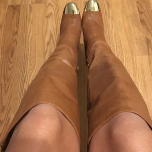 Beautiful light brown boots